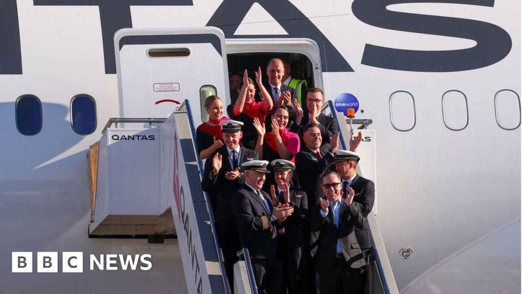 Qantas completes test of longest non-stop passenger flight