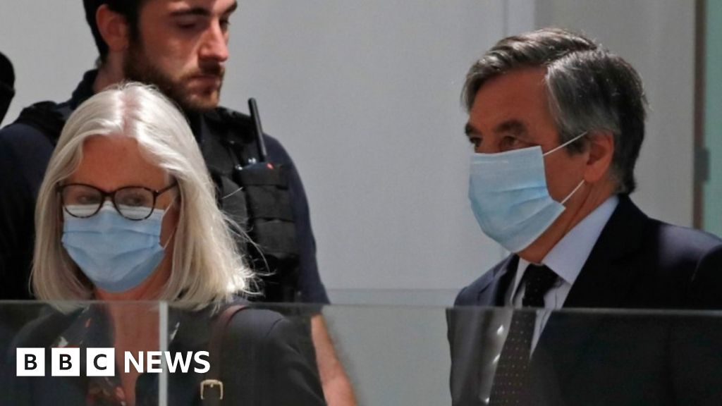 """Lavori falsi"": ex francese PM François Fillon e moglie colpevoli"