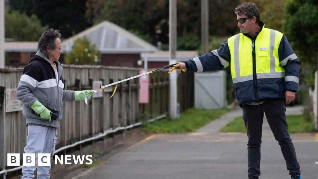 Coronavirus: new Zealand claims no community cases as a lockdown easier