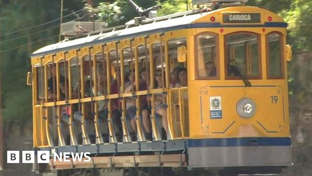 Rio's street cars back in action