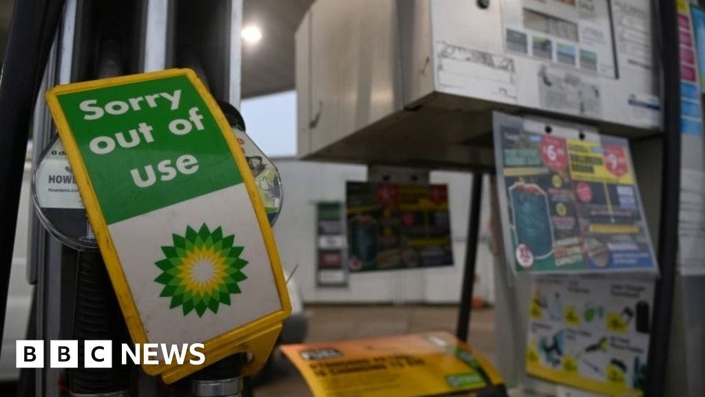 Petrol: Ministers to meet over supply problem