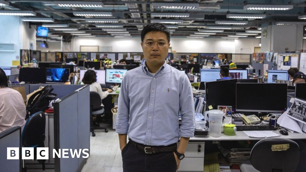 Apple Daily: Editor of the Hong Kong police arrest, four other executives