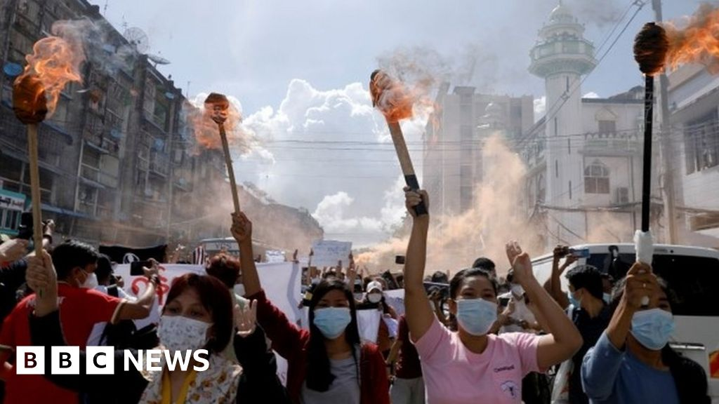 Myanmar: State of emergency extended with coup leader as PM