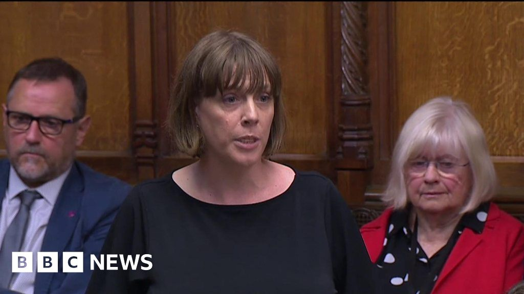 Jess Phillips: PM should apologise for Jo Cox comments