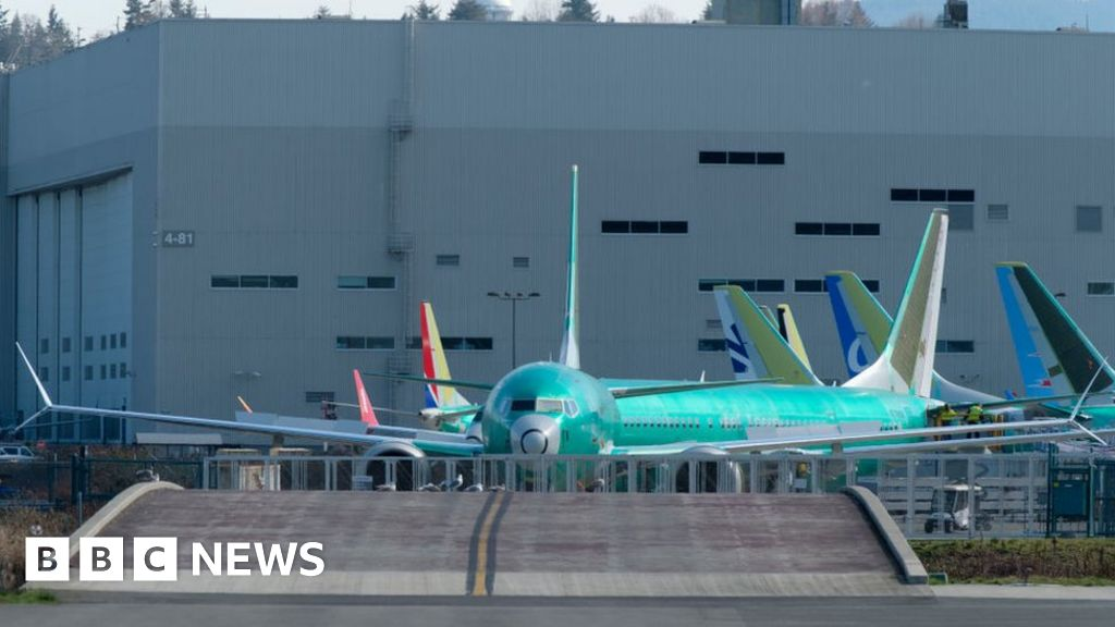 Debris found in new Boeing 737 Max fuel tanks