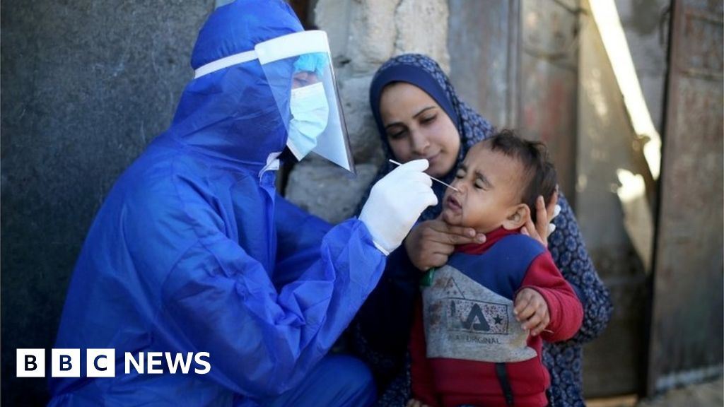 Covid: Israel to transfer 5,000 vaccine doses to Palestinians