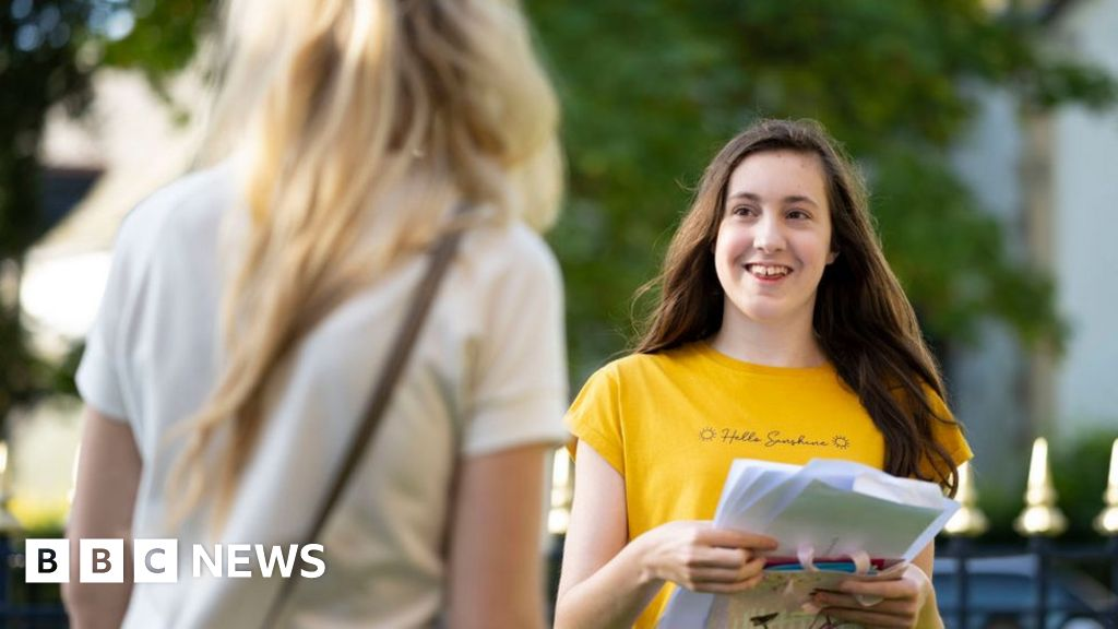 Covid: Call for 2021 A-Level and GCSE 'clarity'