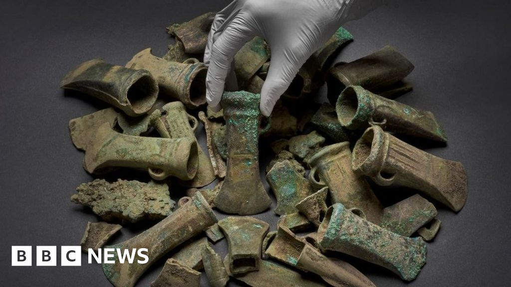 Havering Hoard: Weapons found on building site to go on show thumbnail