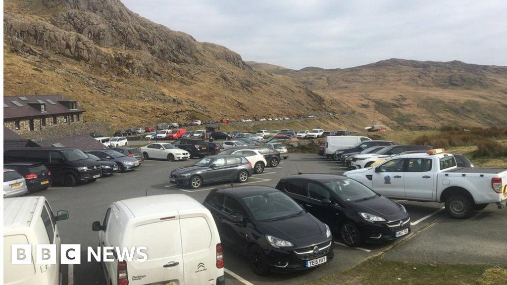 Coronavirus: 'Unprecedented scenes' on Welsh hills