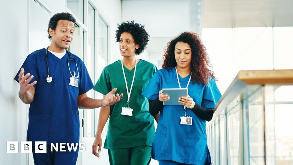 Overseas health workers to get free UK visa extension, says Home Office