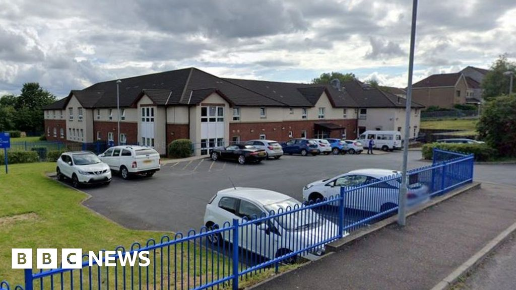 Virus suspected as 13 care home residents die