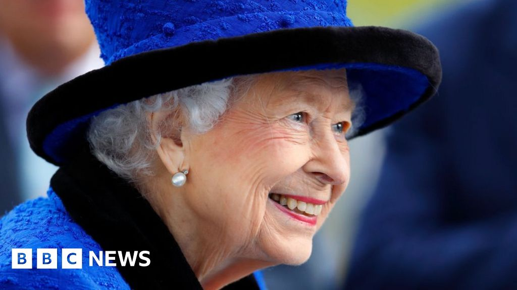 Queen declines Oldie of the Year award