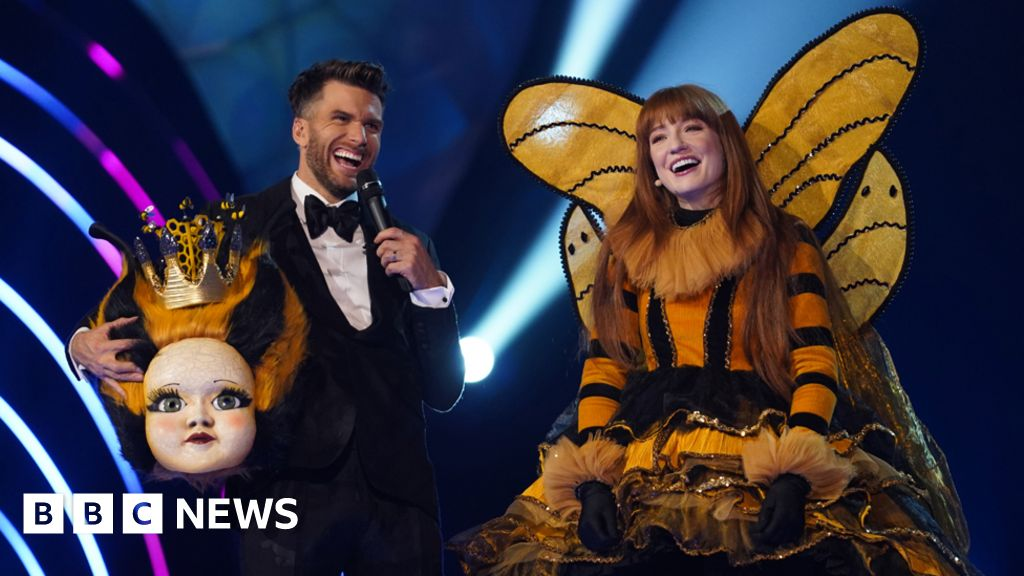 "Nicola Roberts: ""I was nervous, to take off the mask"