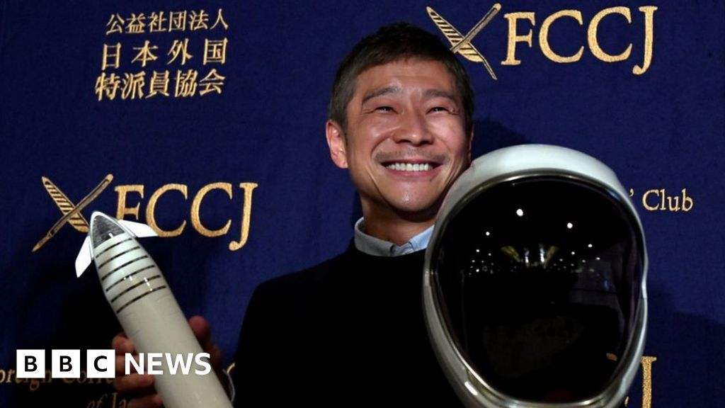 Japanese billionaire seeks eight people to fly to Moon