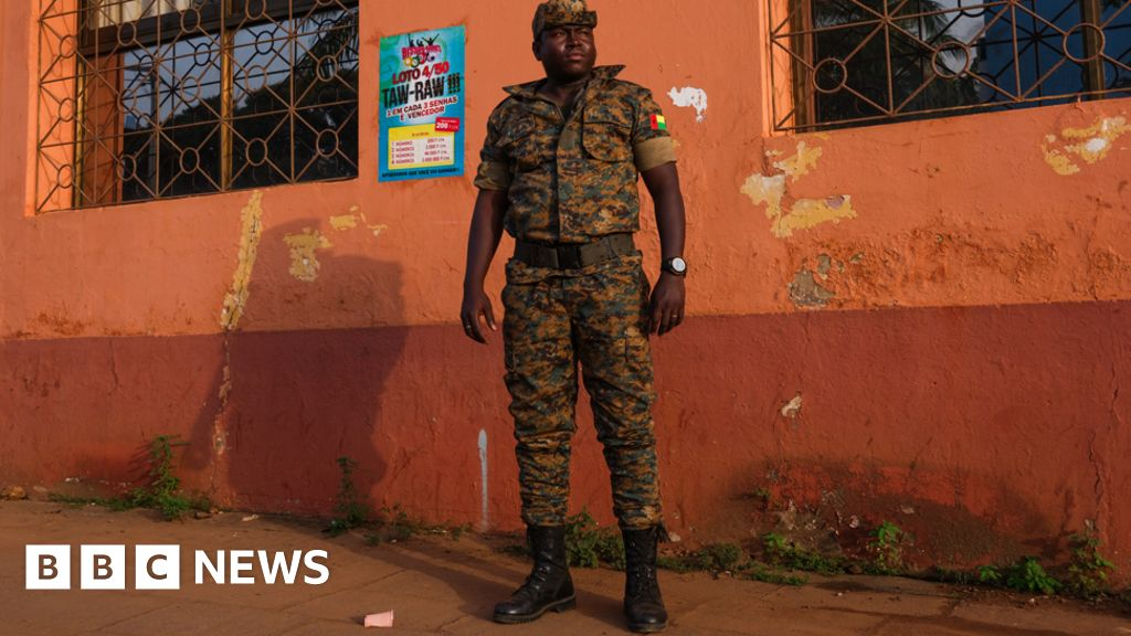 Guinea Bissau: A deadly mix of guns, cocaine and cashew nuts