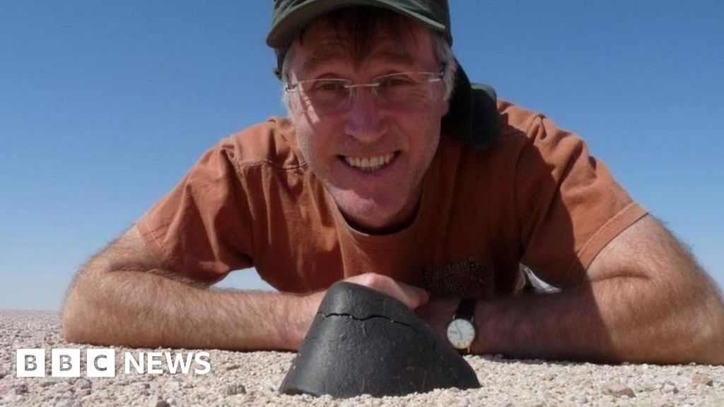 The man who owns 1,000 meteorites thumbnail