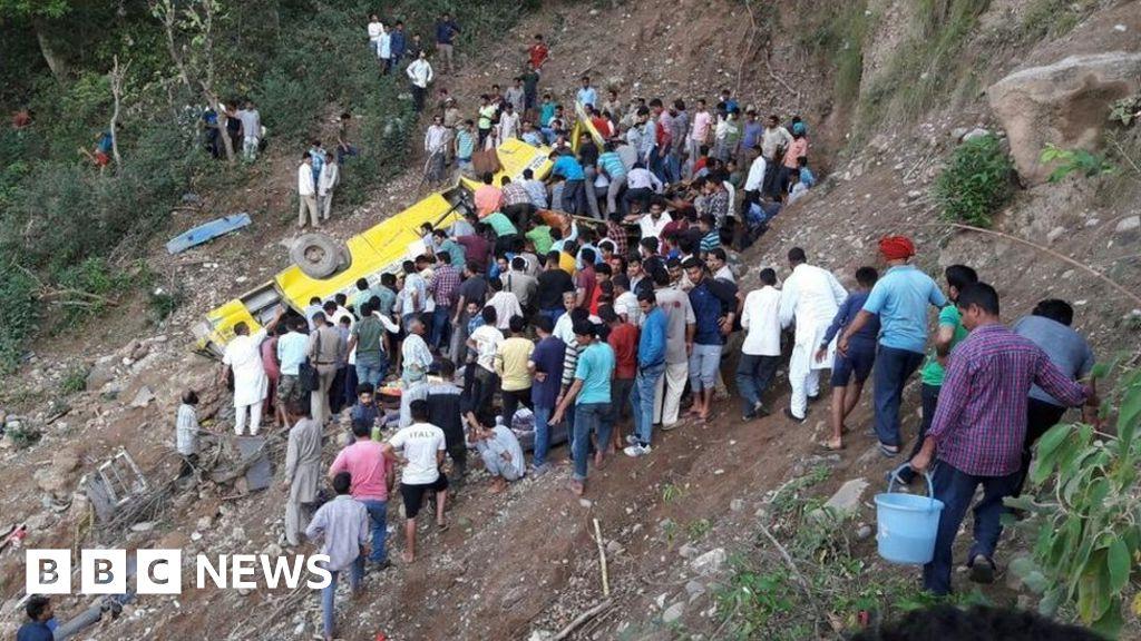 Probe after 24 children die in India school bus plunge - BBC News