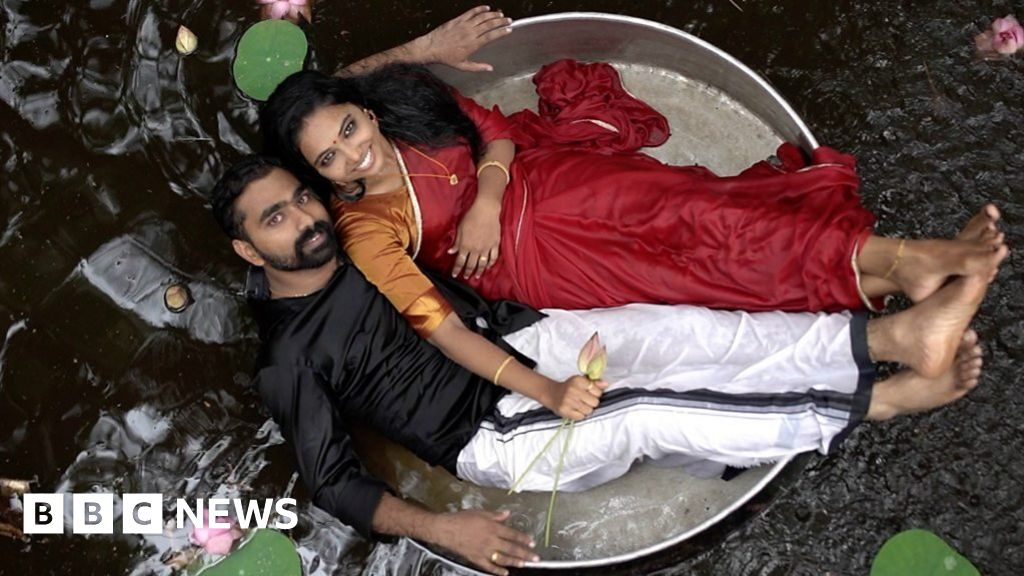 The Rise Of India S Viral Wedding Photoshoots Bbc News