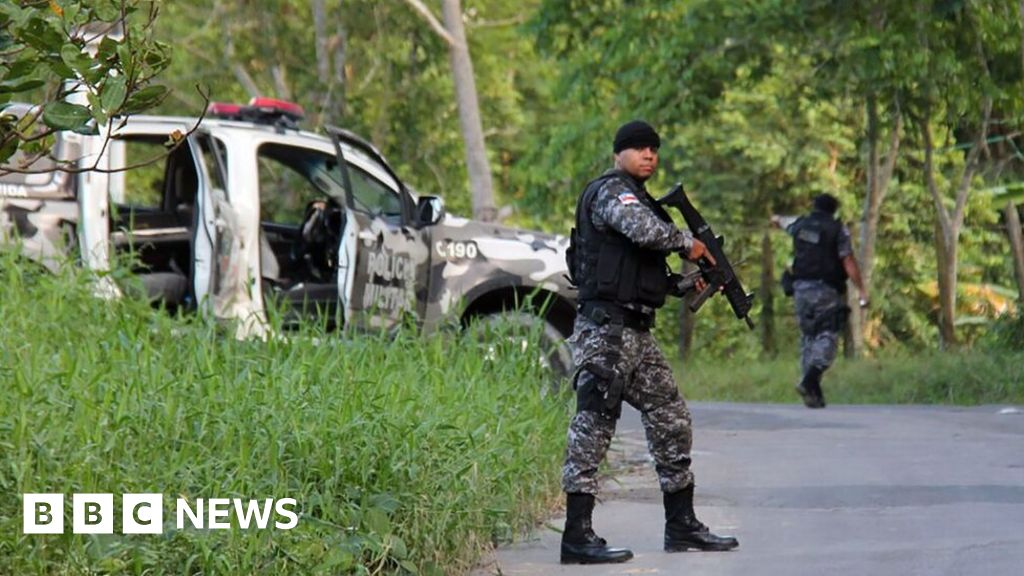 Brazil prison riot kills at least 56 in Amazonas state - BBC News