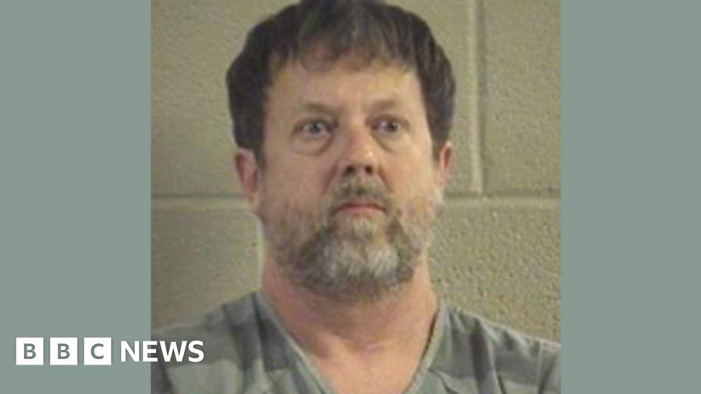 US teacher held after firing gun in class thumbnail