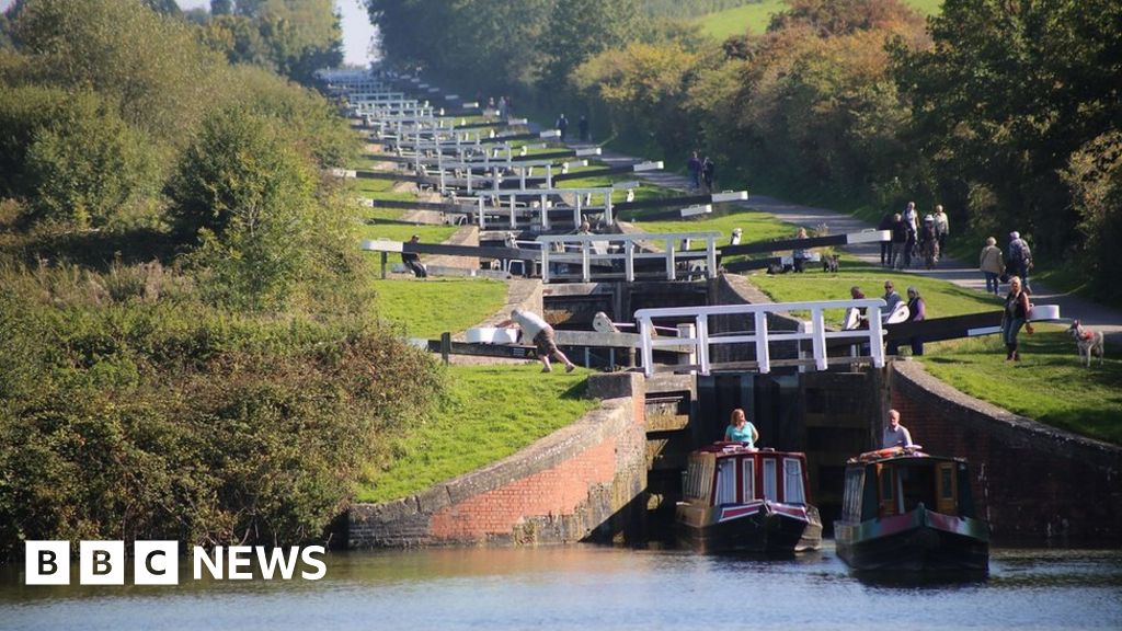Canal towpaths 'like middle of Tesco'