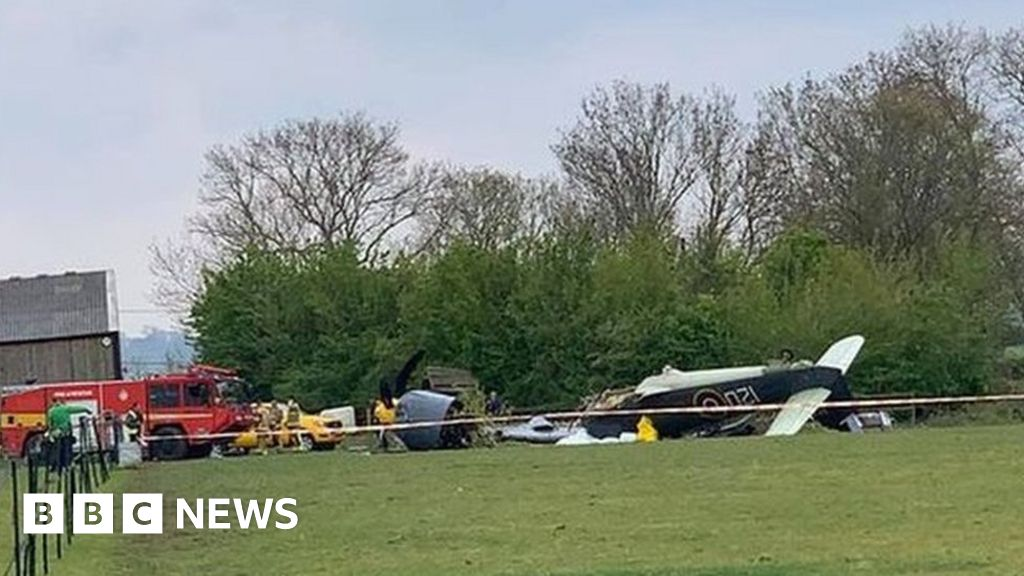 Yeovil plane crash: Two pilots taken to hospital after engine fails