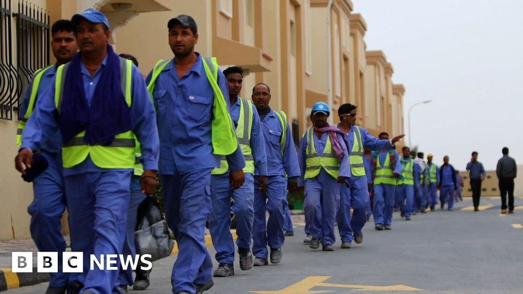Qatar introduces minimum wage for first time - BBC News