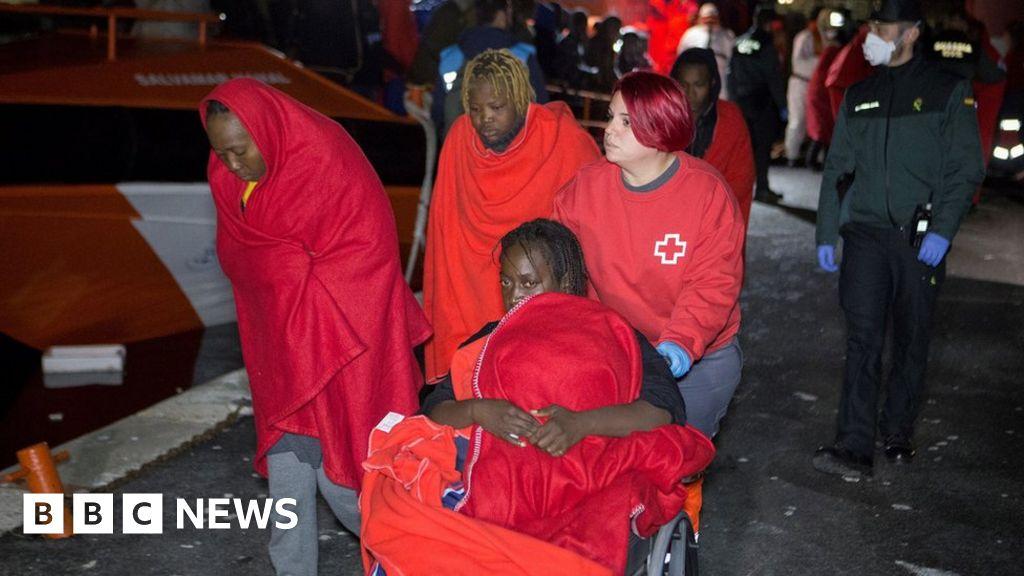 'About 170 dead' in migrant shipwrecks