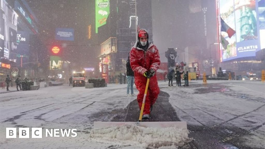 World News Today - US snow storm: Millions on east coast under advisory | NewsBurrow thumbnail