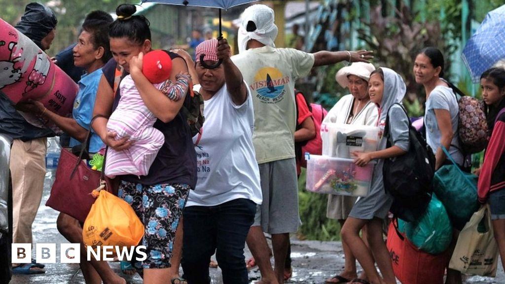 Typhoon Kammuri slams into Philippines