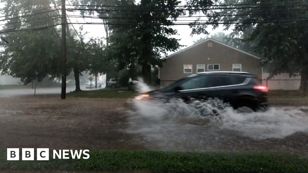 Flash floods as storms hit New York area