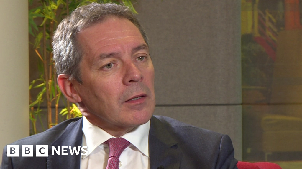 Ford boss warns on 'disastrous' no-deal Brexit