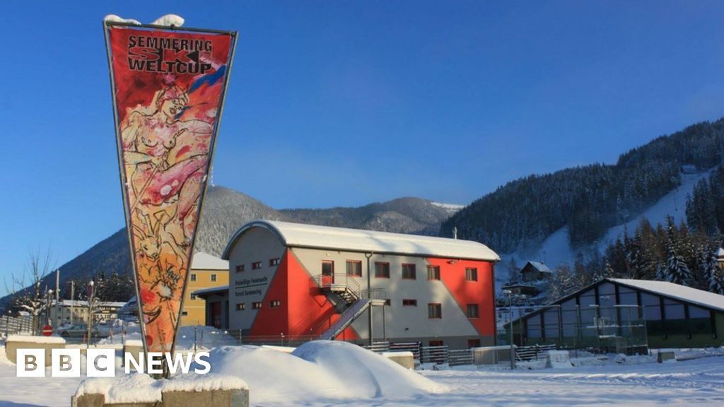 Sexist nude female skier advert gets icy reception - BBC