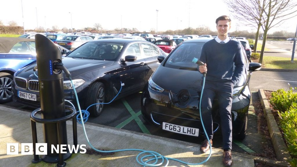 118b54e431 Electric cars  What if you live in a flat  - BBC News