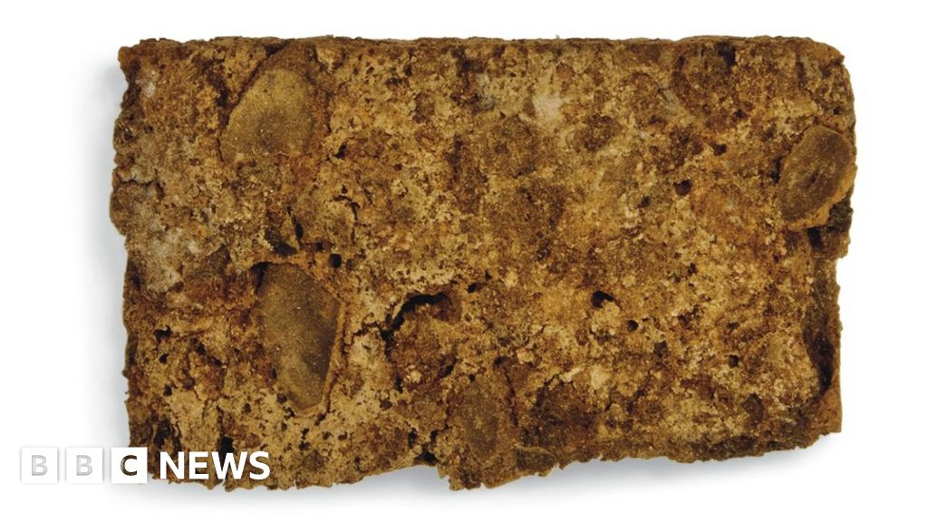 Slice Of Queen Victoria S Wedding Cake Sold At Auction Bbc News