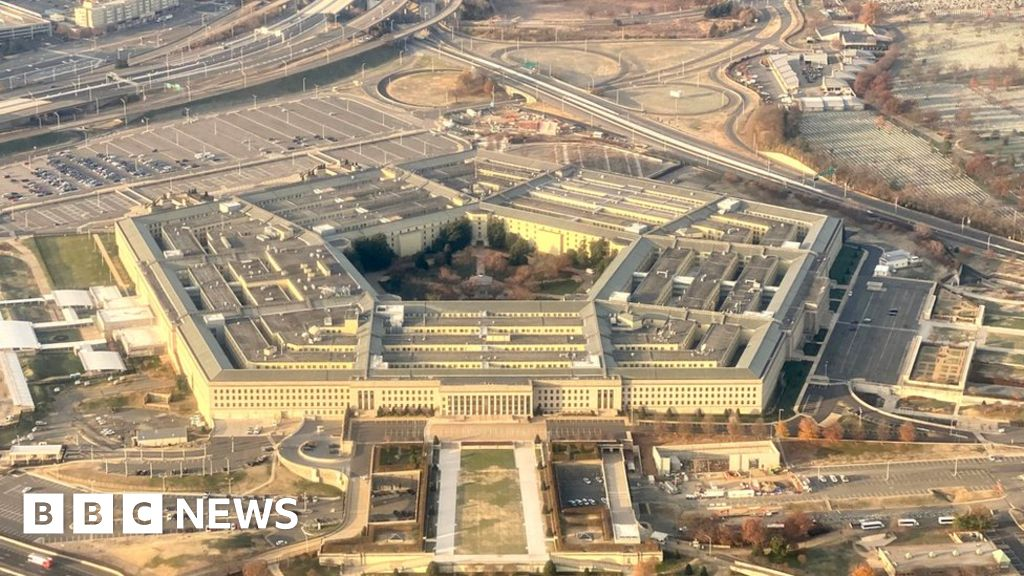 US defence department linguist charged with espionage thumbnail