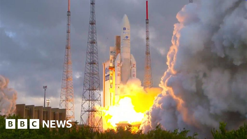 Quantum: Flagship UK telecommunications satellite launches
