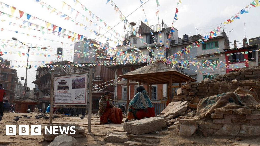 A slow recovery for Nepal's tourist industry - BBC News