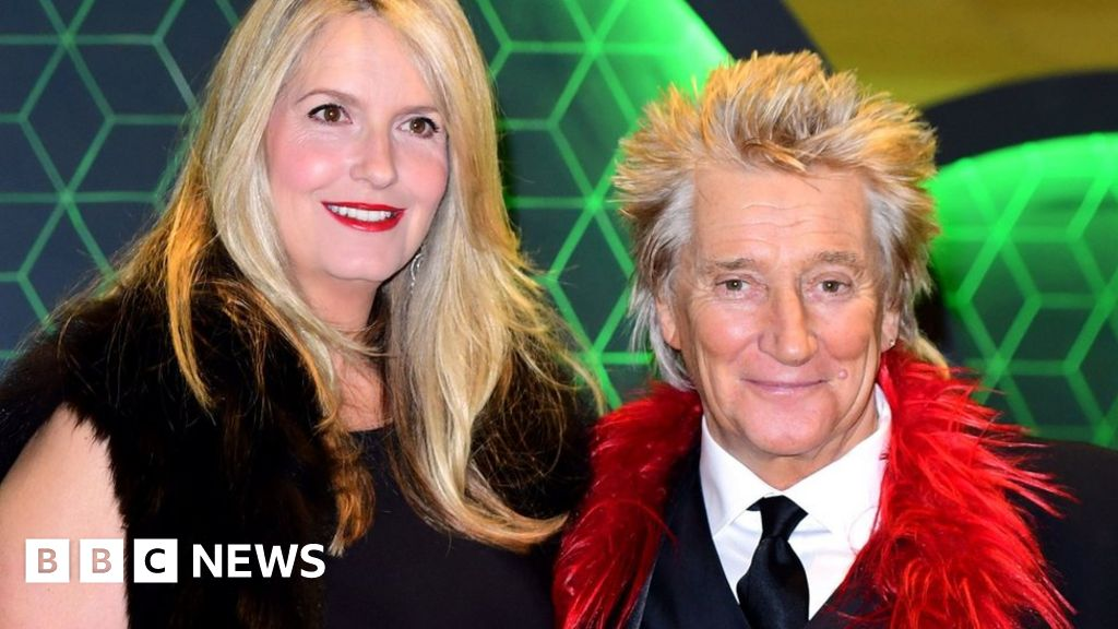 Sir Rod Stewart says he s  in the clear  after the diagnosis of cancer