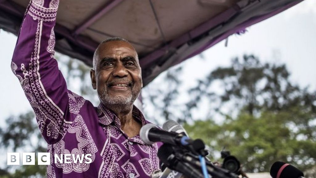 Tanzania election: Zanzibar presidential candidate 'arrested trying to vote'