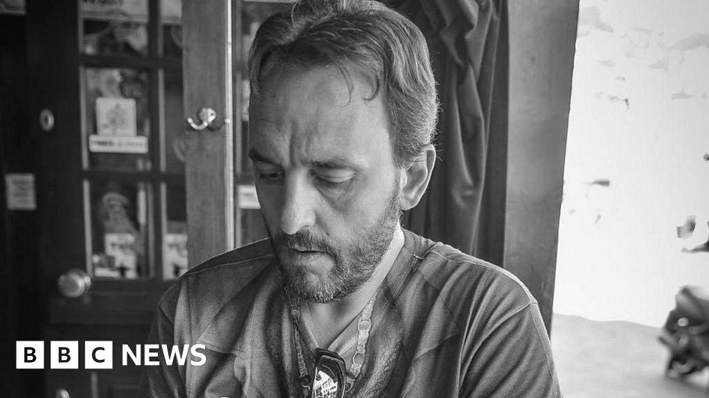 Grand Theft Auto: Rockstar Leeds founder Gordon Hall dies aged 51 - BBC News