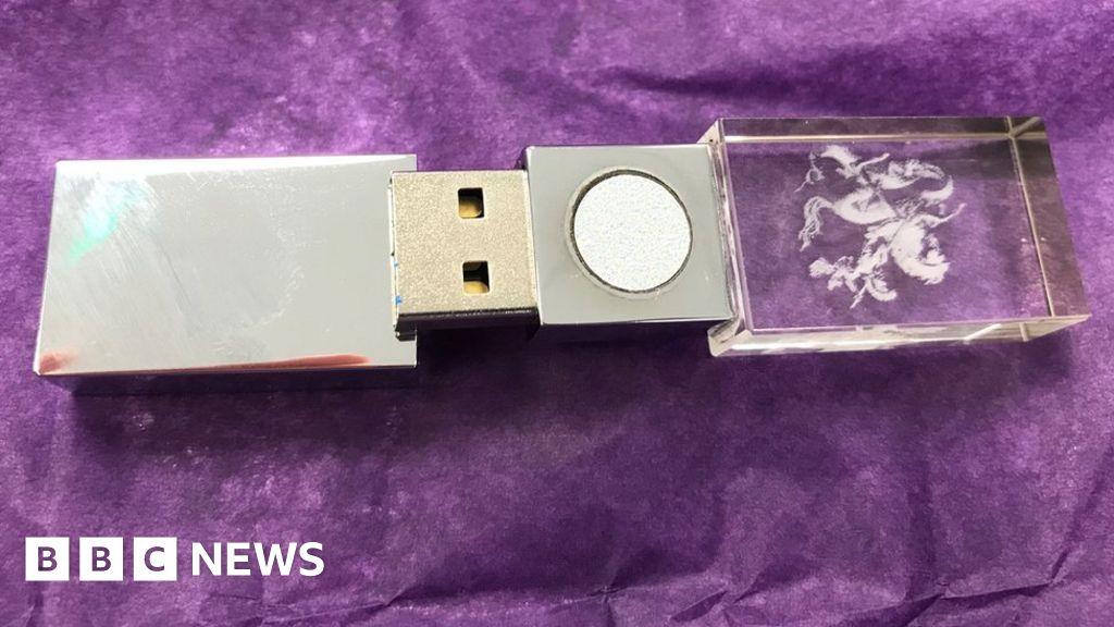 Pulling apart a £339 anti-5G USB stick