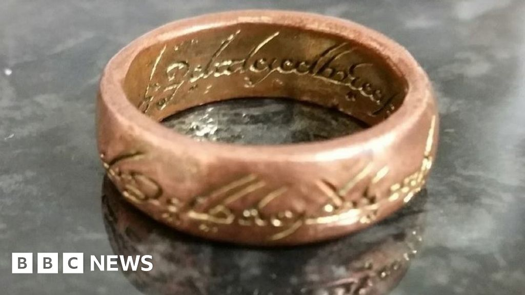Lord of the Rings police search sparks social media mirth - BBC News