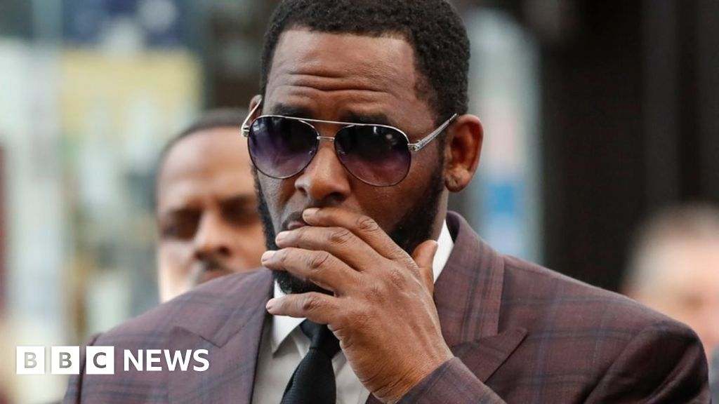 R. Kelly faces bribery charge over 1994 marriage to Aaliyah