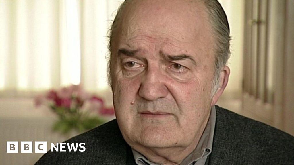 Falklands War 'true hero' Captain Rick Jolly dies