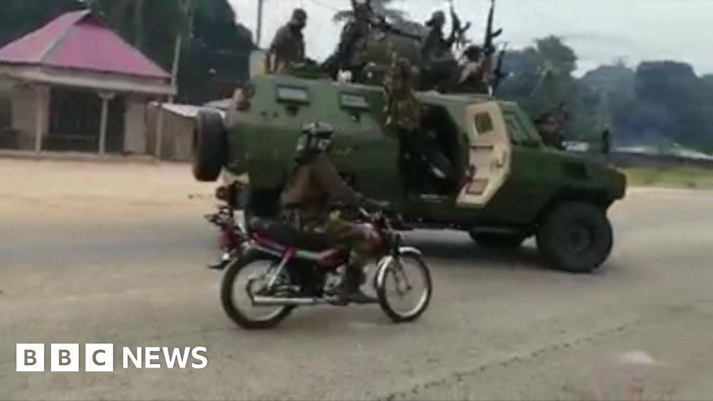 Mozambique insurgency: Islamist militants 'workers fleeing hotel'