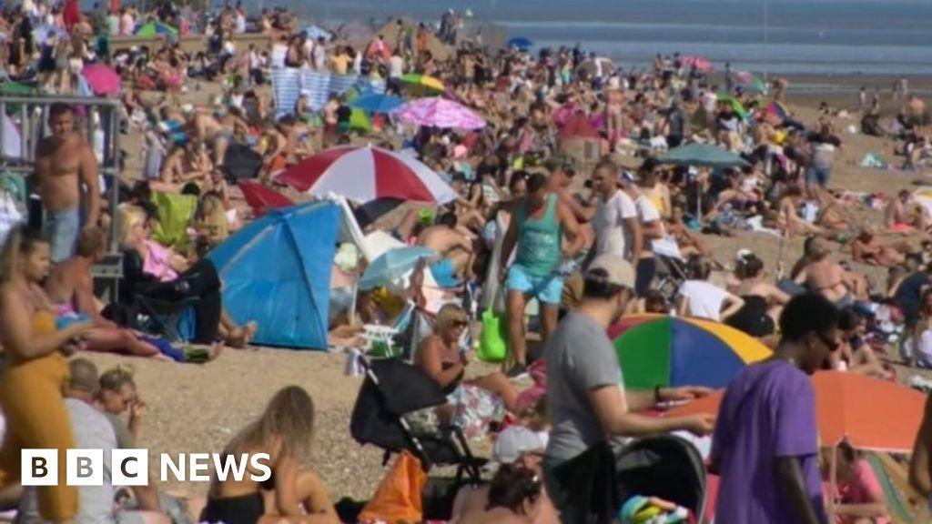 """Coronavirus: Resort locals """"shocked and angry"""" on the beach crowds"""