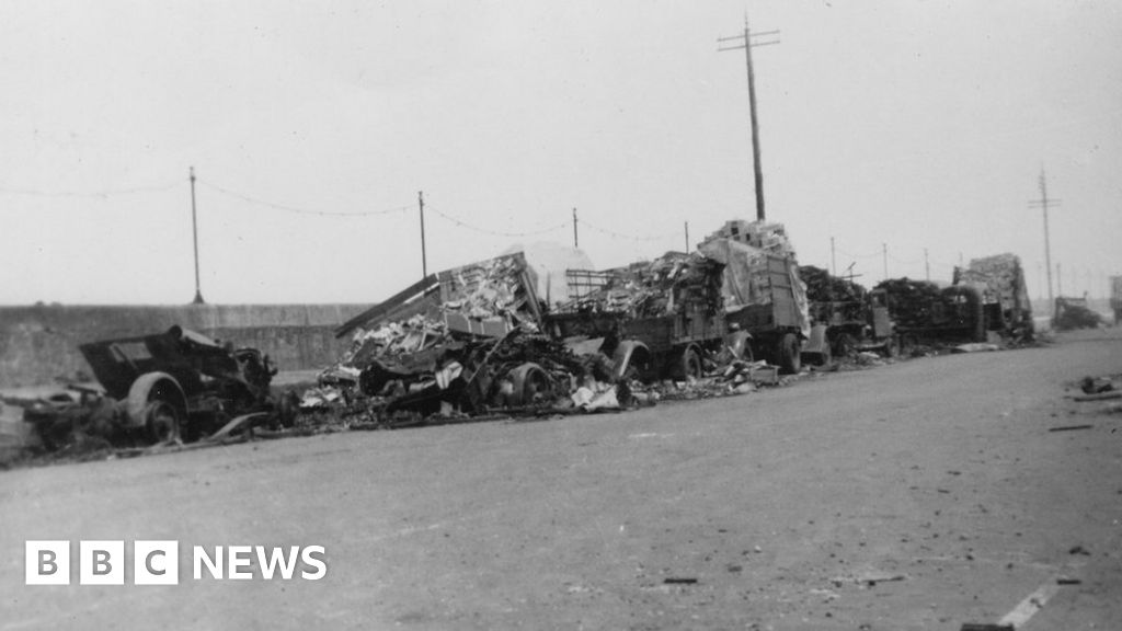 Islands mark 80 years since harbour bombings