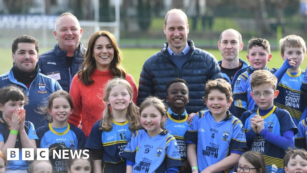 William and Kate in Ireland: Royal couple visit Galway thumbnail