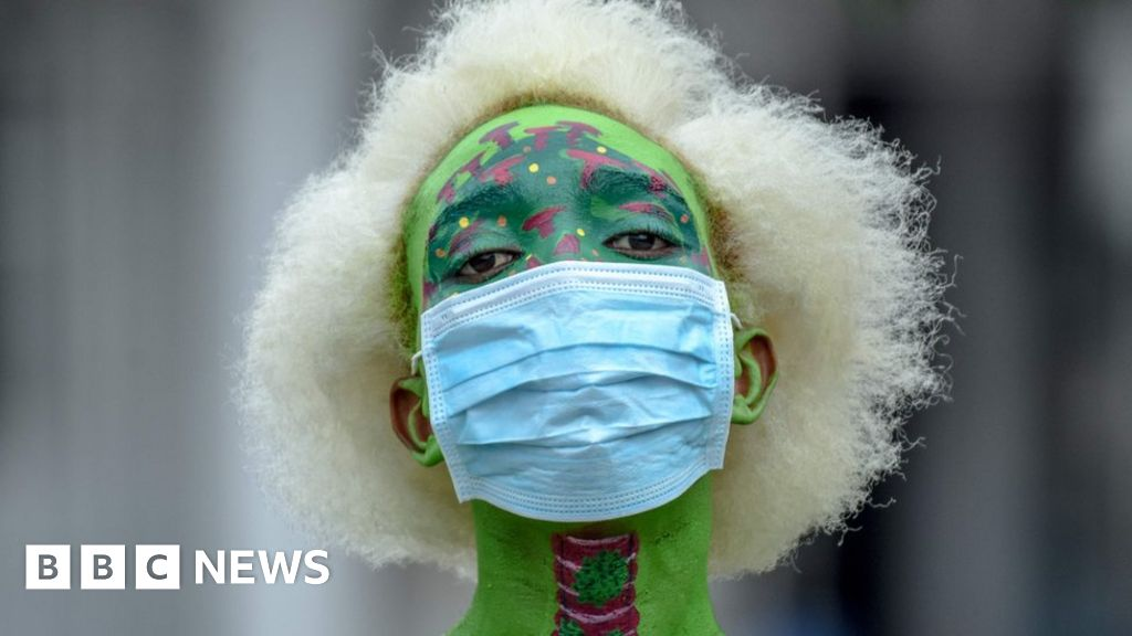Night burials amid Tanzania's coronavirus defiance